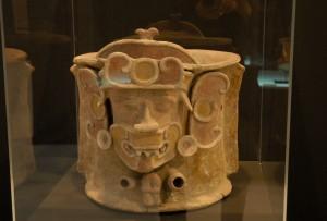 """SALA A –DEL 10 DE MAYO AL 2 DE SEPTIEMBRE DE 2007 """"Y las obras se hicieron tesoros"""" fue el título de esta exposición de Arte Precolombino procedente de la […]"""