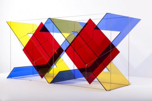 Exposición de esculturas en vidrio y sus posibilidades cromáticas en el CEART