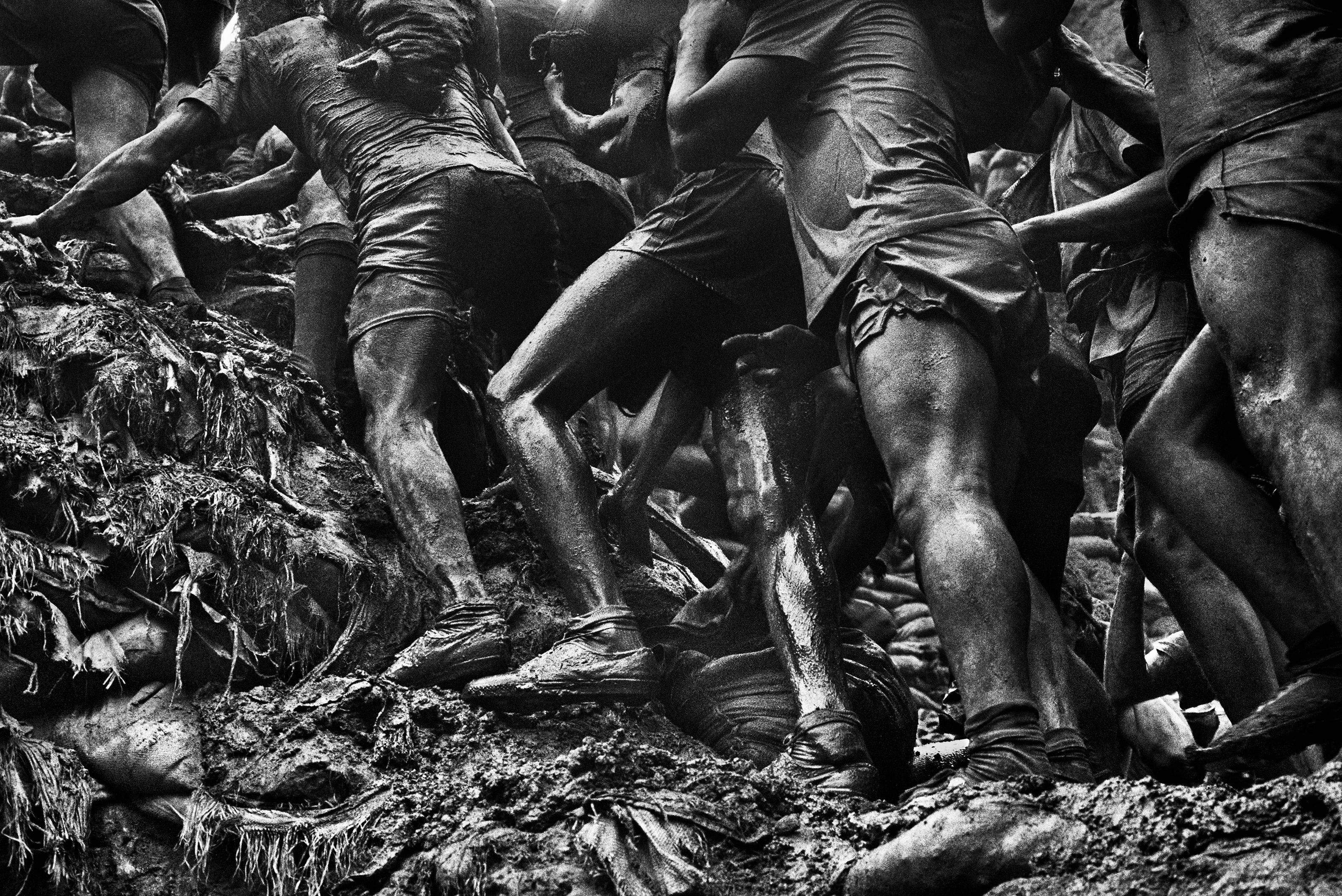 MINAS DE ORO FOTOGRAFIAS PARA LA PROMOCIÓN DE LA EXPOSICIÓN EN CEART DE FUENLABRADA. NO SE PUEDEN UTILIZAR EN OTRO CONTEXTO.
